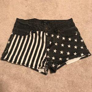 Black and white flag shorts